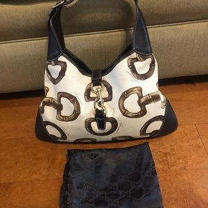 Gucci shoulder bag with dustbag